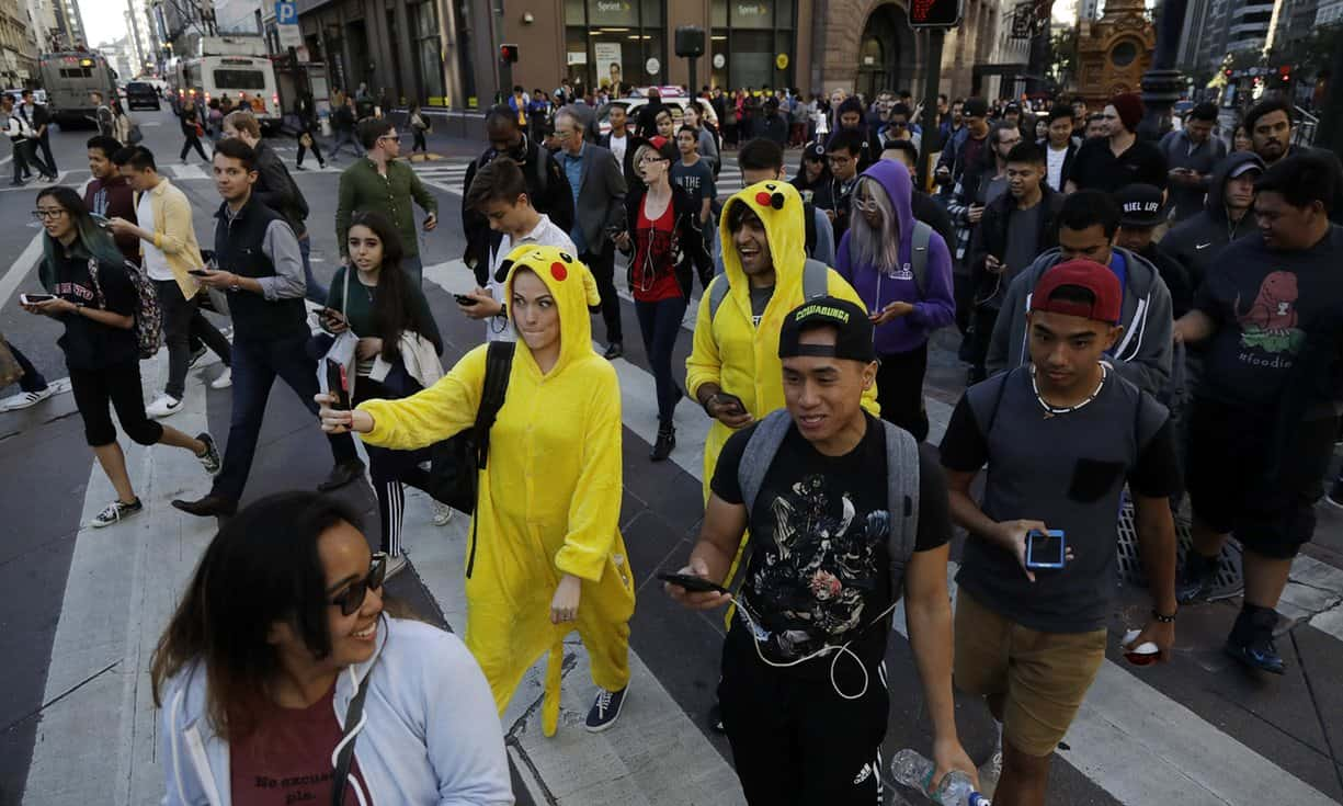 pokemon-go-gathering