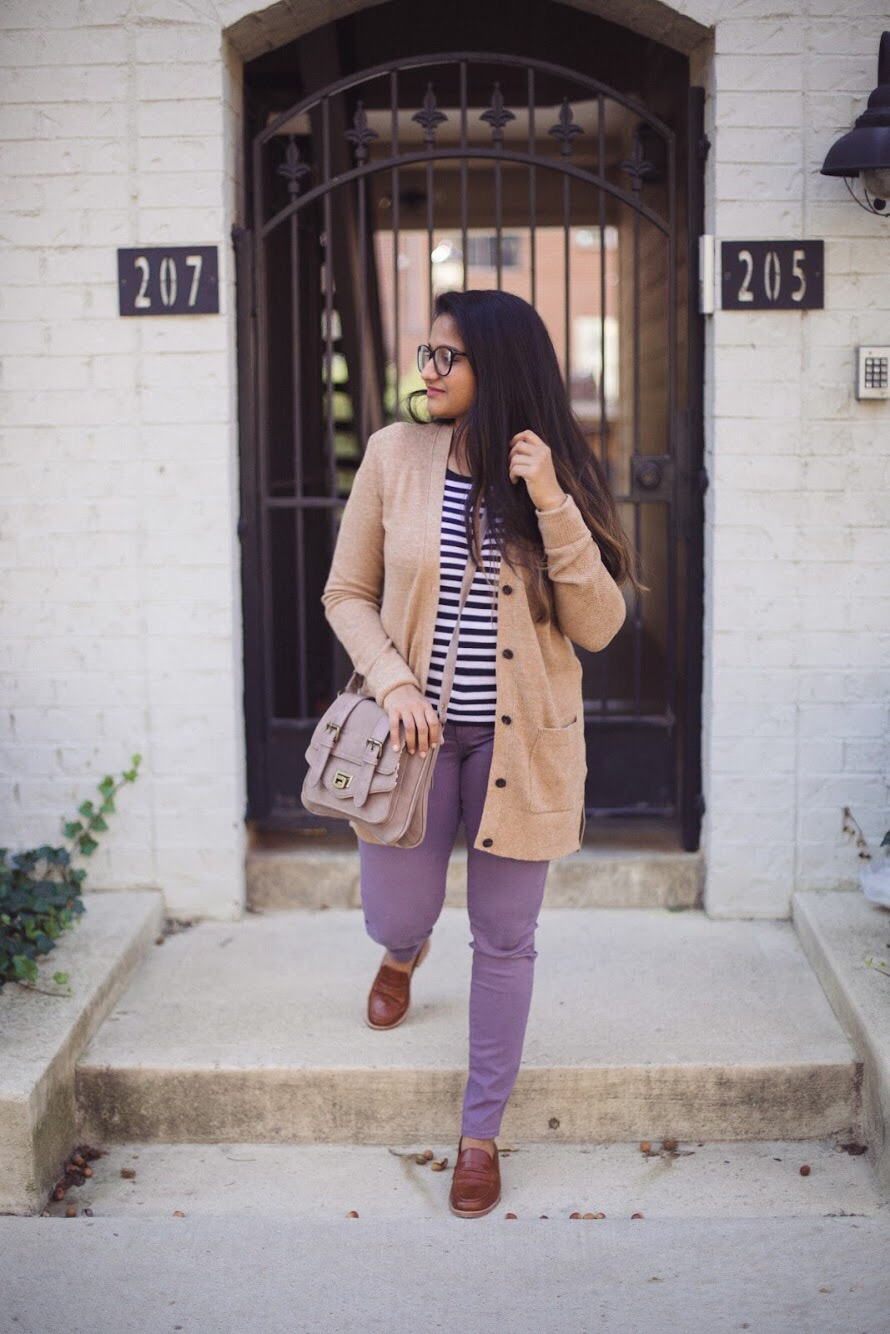 Lifestyle blogger Surekha of dreaming loud sharing how to wear lilac or purple jeans in 3 ways for fall
