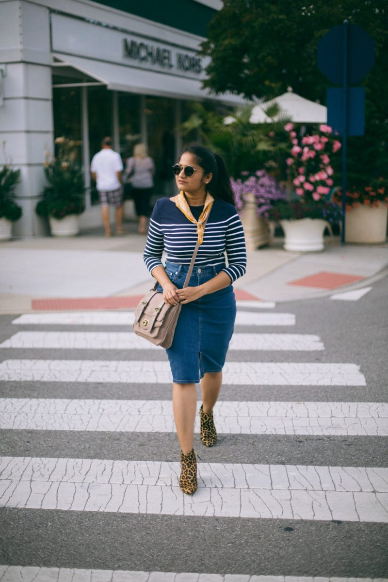 Lifestyle-blogger-Surekha-of-dreaming-loud-wearing-Banana-Republic-Seamed-Denim-Pencil-Skirt-2