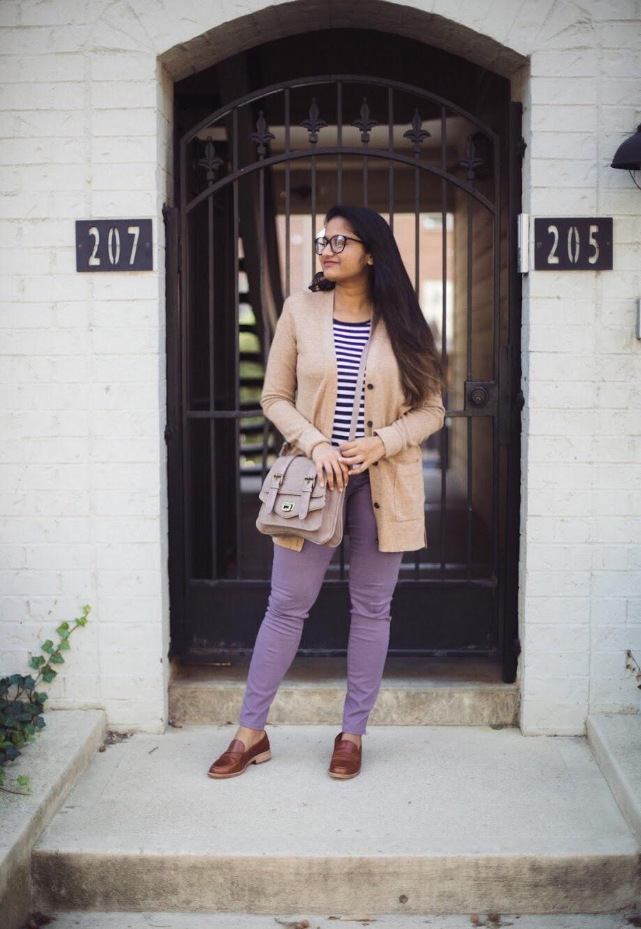 Lifestyle blogger Surekha of dreaming loud wearing loft legging in sateen five pockets in smoky purple