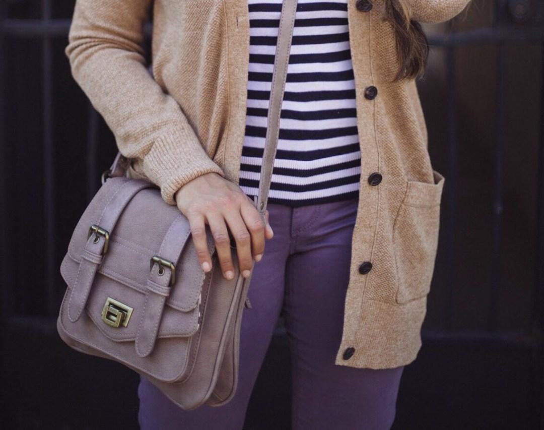 Lifestyle blogger Surekha of dreaming loud wearing pinkstix military crossbody bag