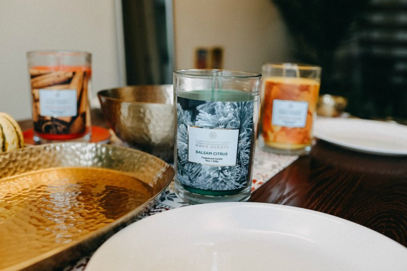 Lifestyle blogger Surekha of Dreaming Loud sharing Chesapeake Bay home collection Candles