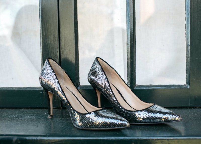 Lifestyle Blog Dreaming Loud Wearing Ann Taylor Mila Sequin pumps 1