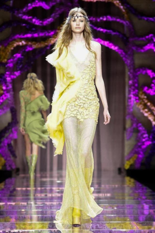 Versace-fw15-haute-couture-runway-paris