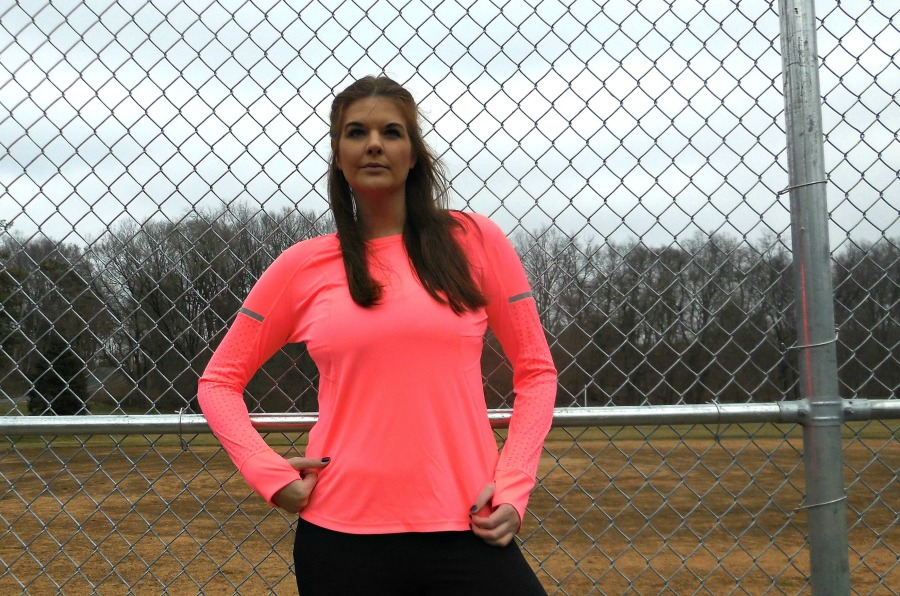 Fight Winter Blues - Fitness gear with neon top and athletic leggings