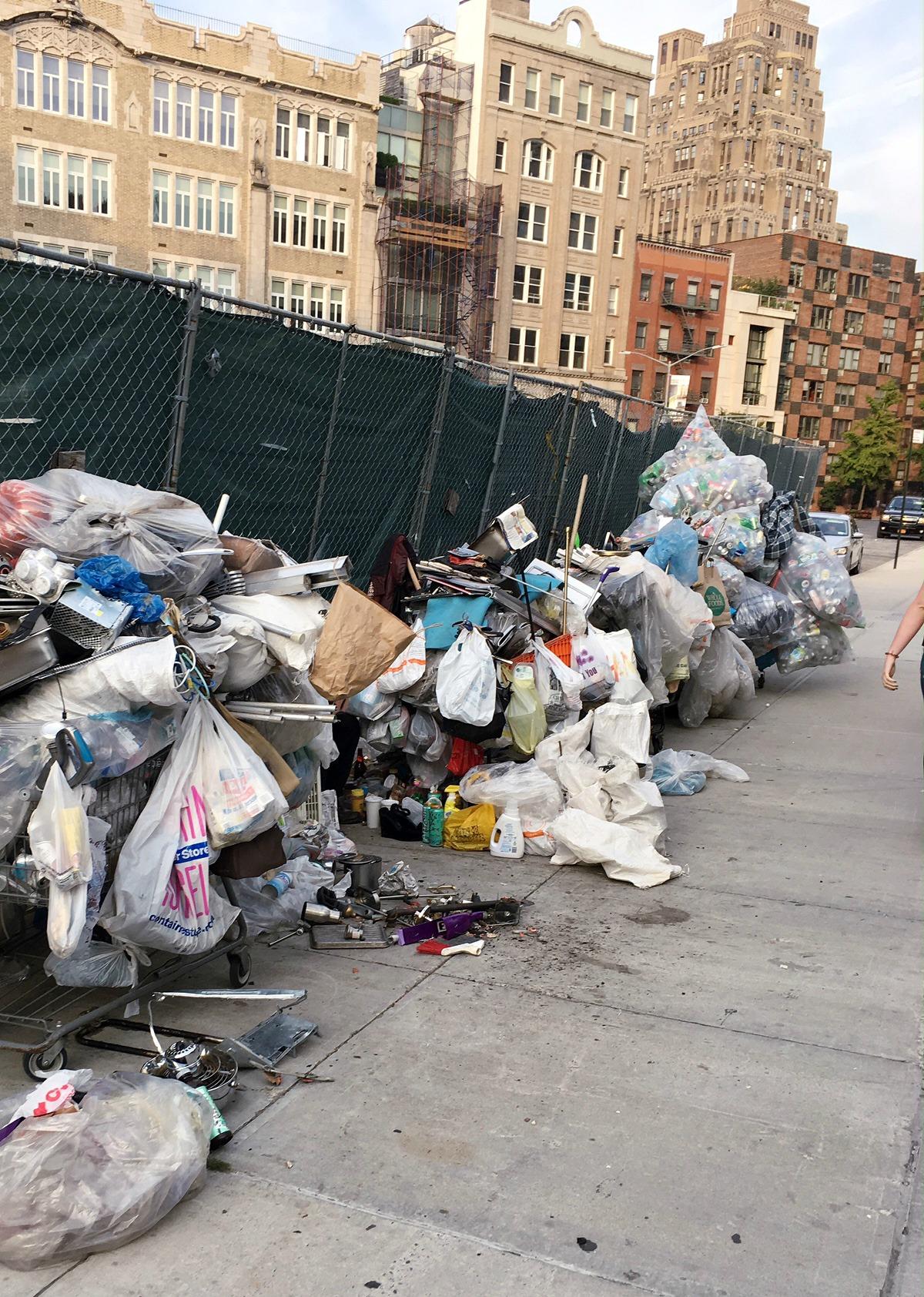 New York Fashion Week Diary : Garbage lining Glastonbury