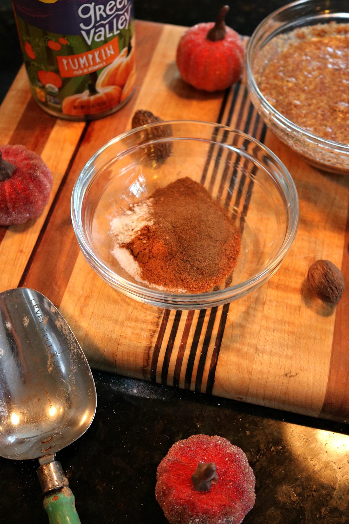 Easy Vegan Pumpkin Bread Recipe I DreaminLace.com