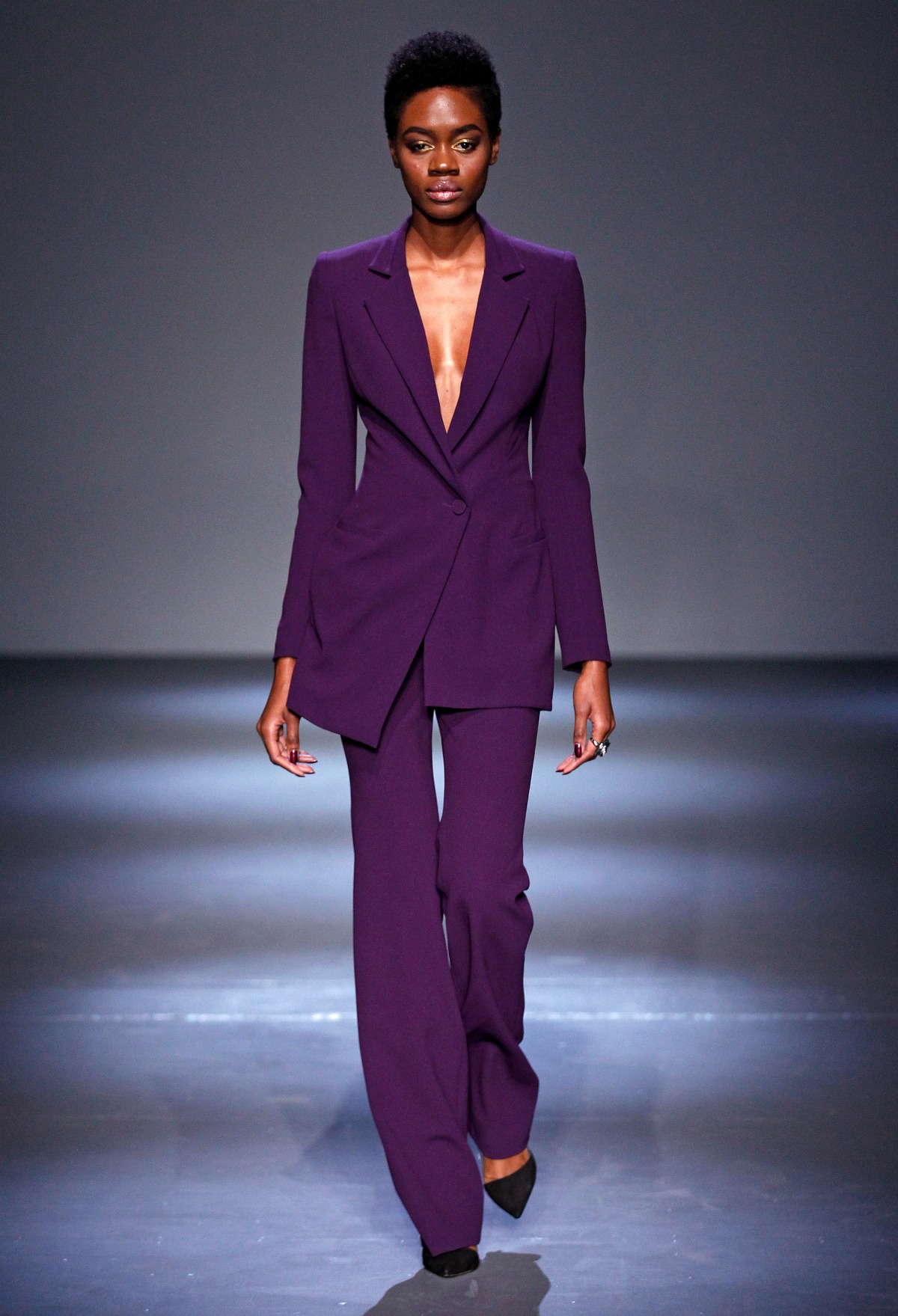 Pamella Roland Fall 2018 Runway I Amethyst Purple Power Suit #NYFW #FallFashion