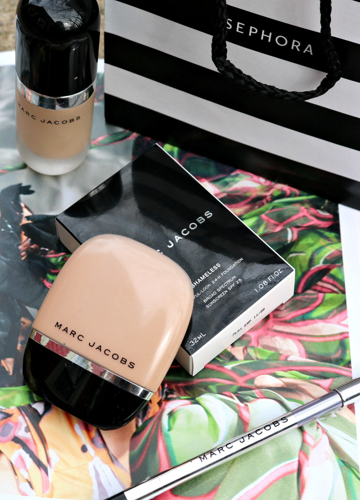 Marc Jacobs Shameless Foundation Review I DreaminLace.com #MarcJacobs #CrueltyFreeBeauty