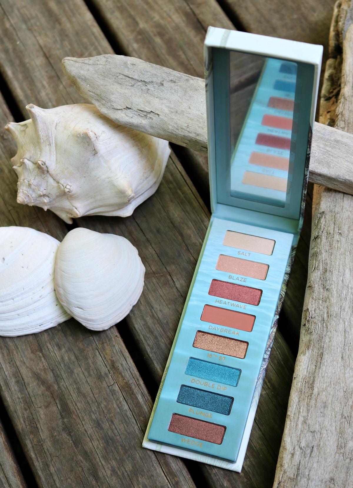 Summer 2018 Urban Decay Beached Eyeshadow Palette #SummerMakeup #CrueltyFreeBeauty #CrueltyFree #UrbanDecay