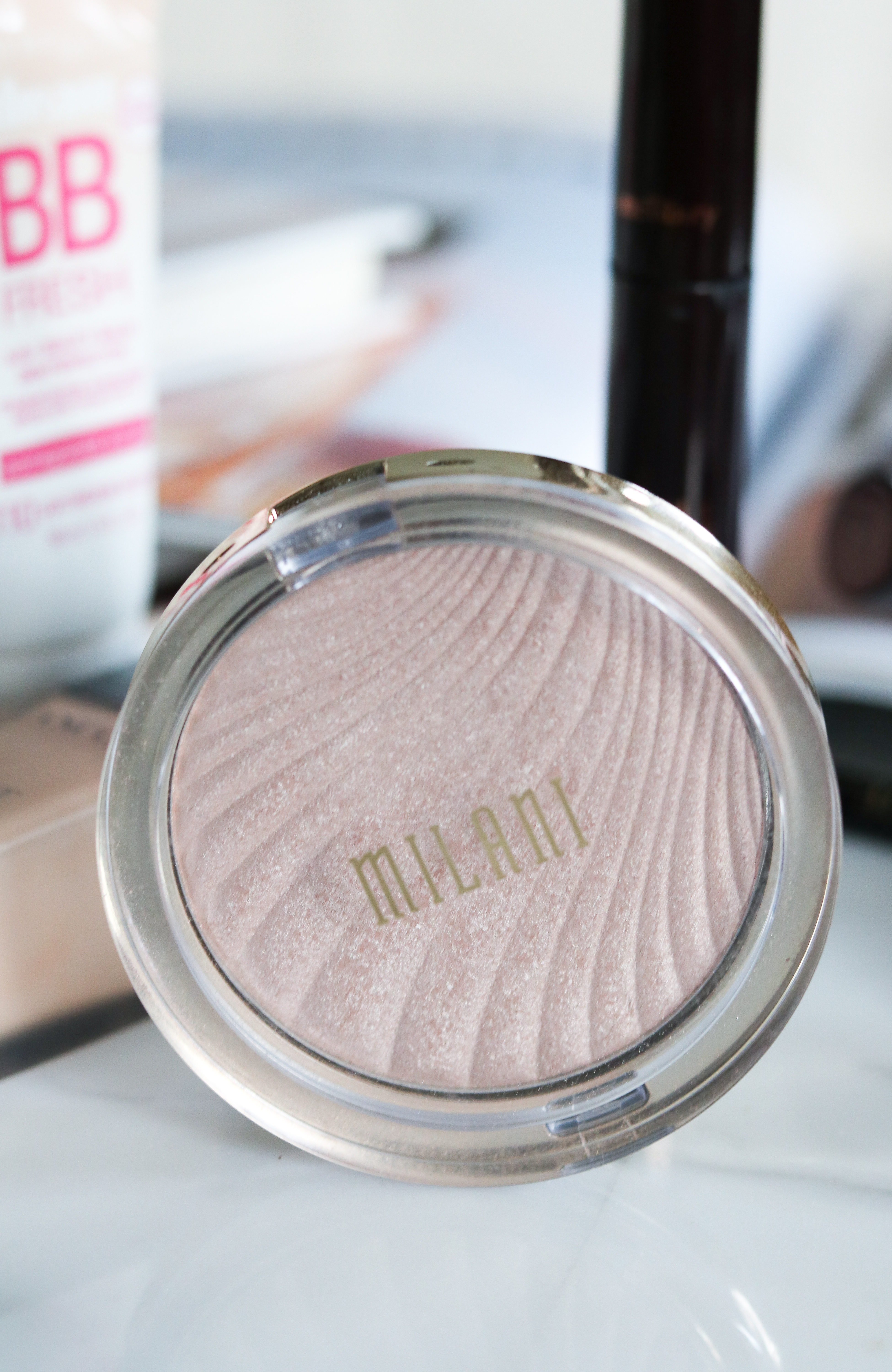 Underrated Makeup Products I Milani Strobe Highlighter #DrugstoreMakeup #Makeup