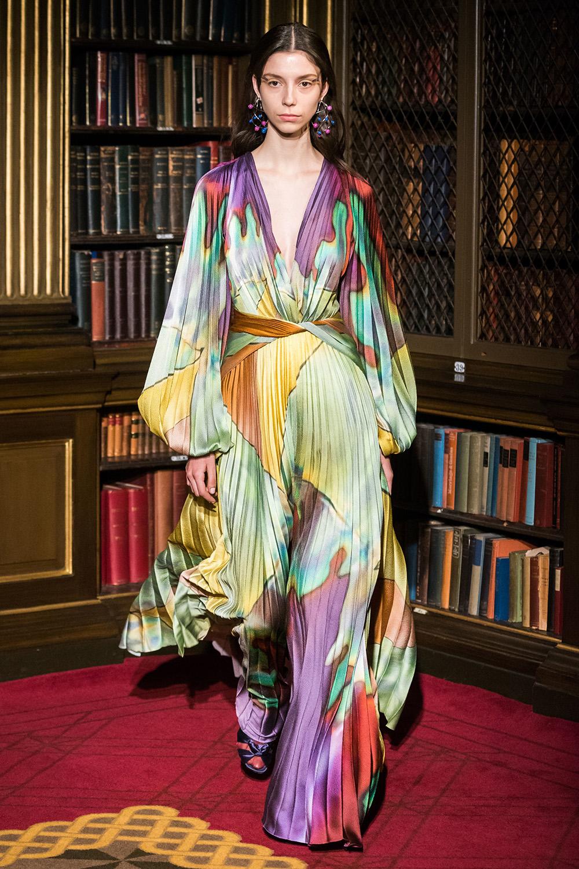 Best London Fashion Week Looks Off the Fall 2019 Runways I Peter Pilotto Gown #FashionWeek #LFW #DesignerFashion