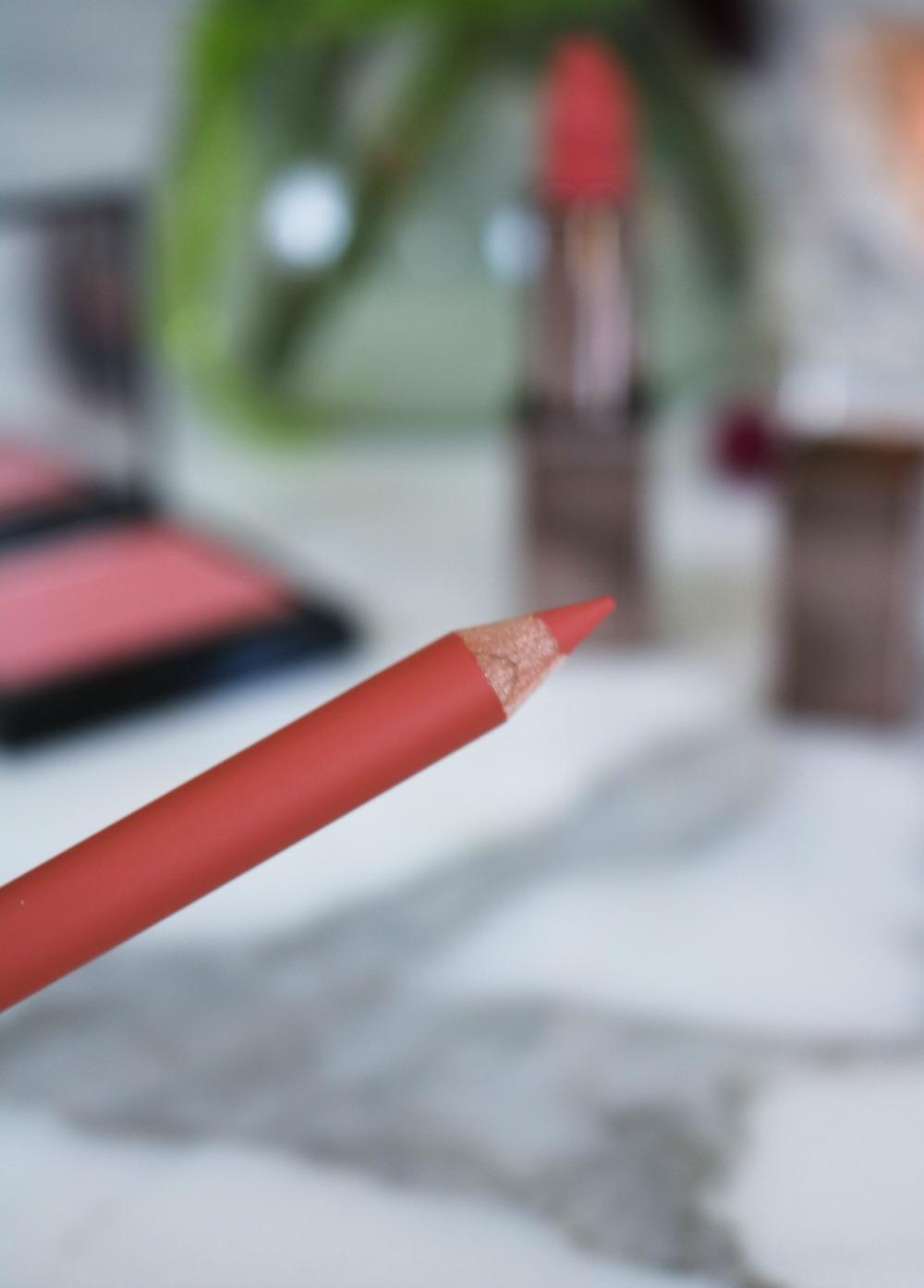 "Laura Mercier Rouge Essential Silky Creme Lipstick Review in ""Nu Prefere"" I DreaminLace.com #Makeup #LauraMercier #lipstick"