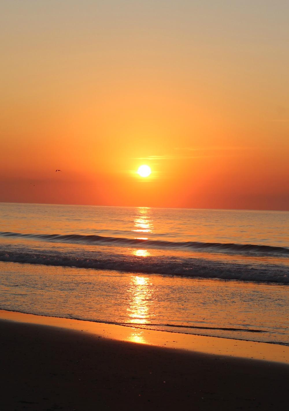 Jersey Shore Photo Diary I Sunrise Over the Atlantic Ocean #Travel #TravelBlogger #TravelPhotography