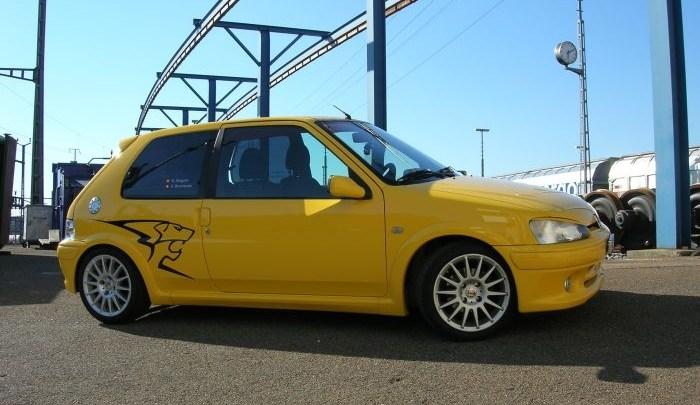 Natascha's gelber Peugeot 106 GTi
