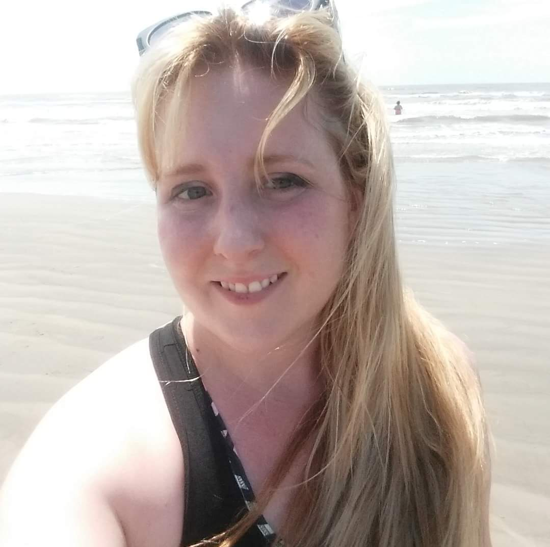 A picture of Amanda Whitten at the beach.