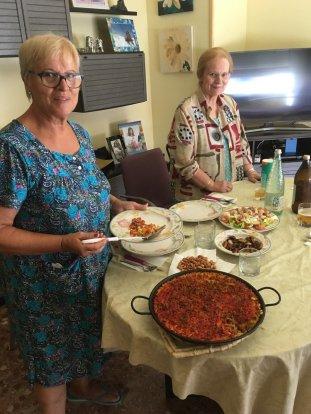 teach abroad dinner ryan gomez Spain