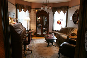 Victorian Furniture Parlor Sets Red And Light Wood Clic Design Ideas For Family