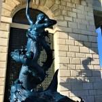Venezia Mermaid (bronzo). mostra Tesori dal relitto dell'Incredibile. Damien Hirst. Punta della Dogana