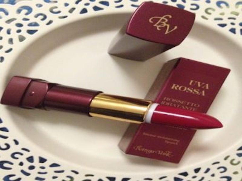 nuovo rossetto all'estratto di uva rossa e acido ialuronico di Bottega Verde