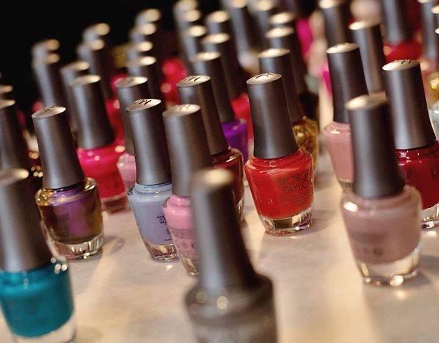 Come scegliere i colori dello smalto per diversi tipi di pelle - Morgan Taylor