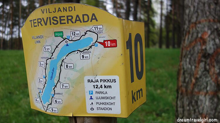 I started walking at ALGUS (green sign) and stopped between km 9 and 8, where I wrote this post