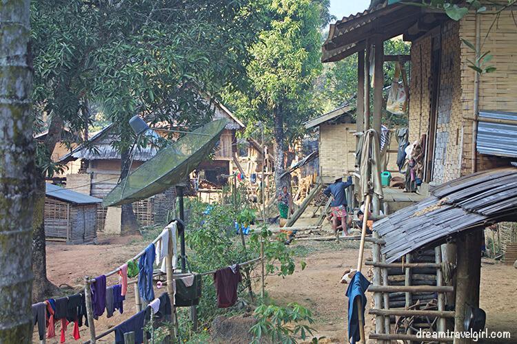 Laos_Huay-Bo_village05