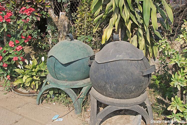 Laos_Luang-Namtha_huge-cooking-pot