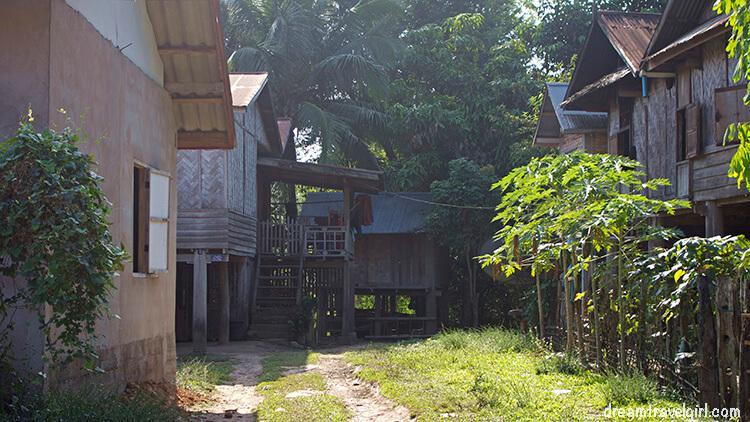 Laos_Luang-Namtha_tribe-villages03