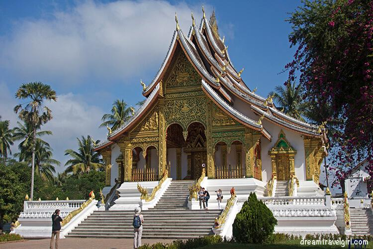 Laos_Luang-Prabang_Haw-Pha-Bang2