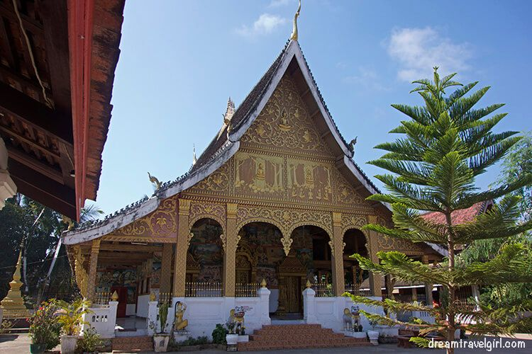 Laos_Luang-Prabang_temple-wat07