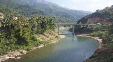 Northern Laos: Muang Khoa and the coolest bridge ever