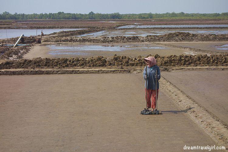Cambodia_Kampot_salt-fields04