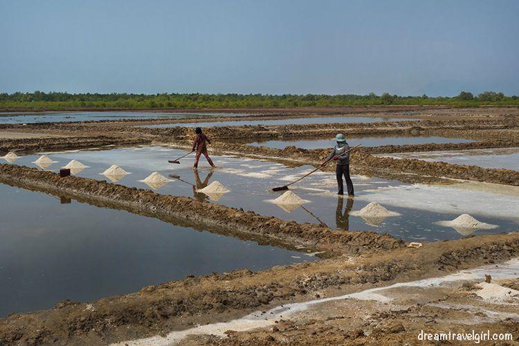 Cambodia_Kampot_salt-fields08