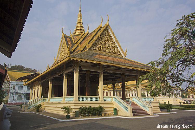 Cambodia_Phnom-Penh_Royal-palace3