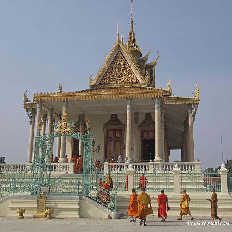 Cambodia_Phnom-Penh_Royal-palace5