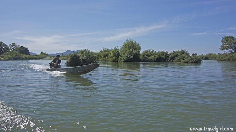 Laos_4000islands_Don-Khon_motor-boat1