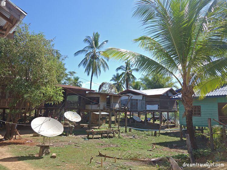 Laos_4000islands_Don-Khon_village8