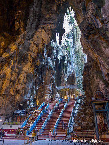 Malaysia_Kuala-Lumpur_Batu-caves