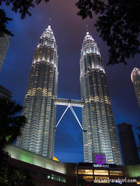 Malaysia_Kuala-Lumpur_Petronas-night01