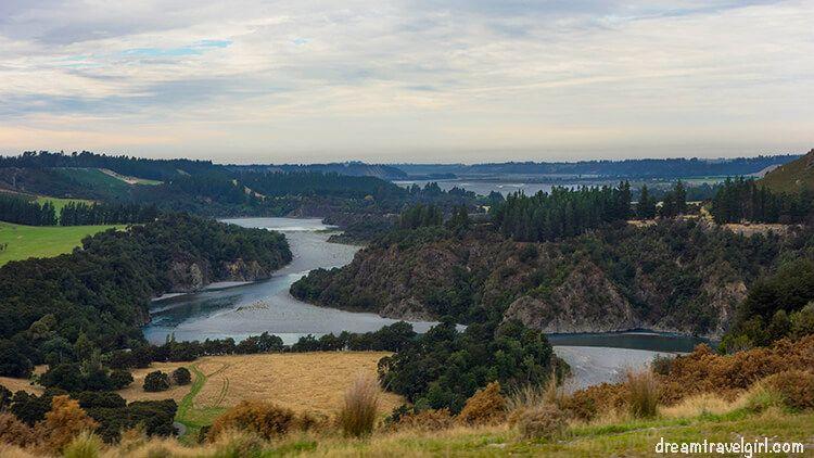 New-Zealand_TranzAlpine04_landscape