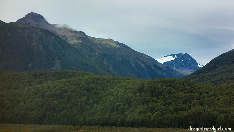 New-Zealand_TranzAlpine13_mountains