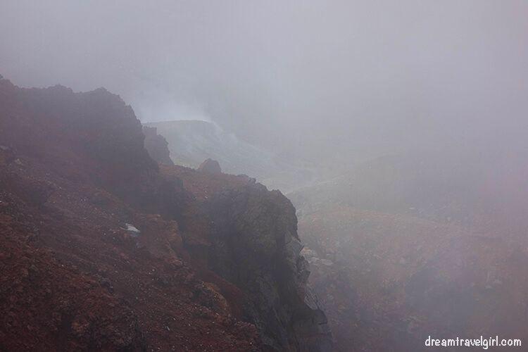 New-Zealand_Tongariro-Alpine-Crossing13-Red-Crater