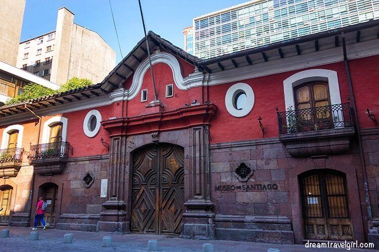 Chile_Santiago_center_Casa-Colorada