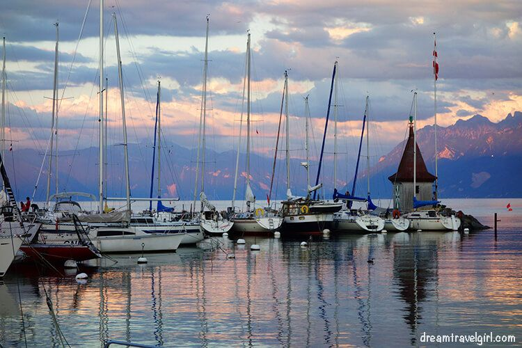 Boats in the lake Leman in the evening