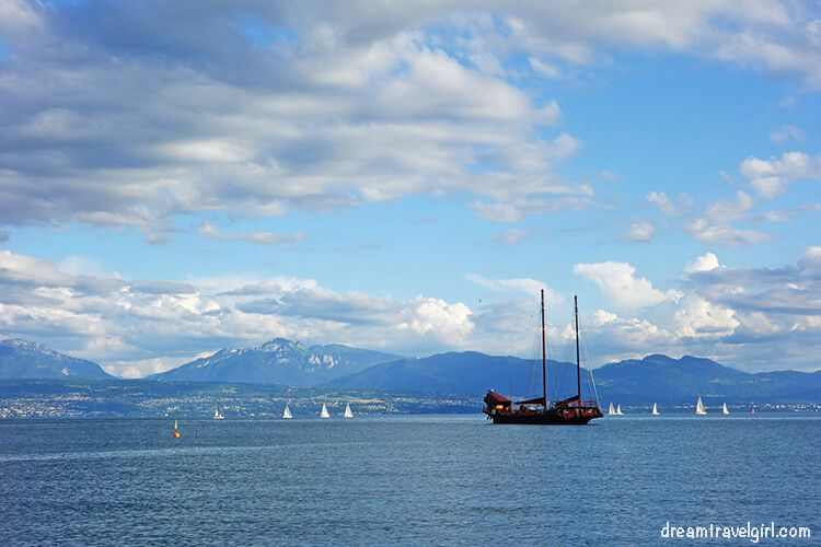 The pirate ship and the mountains on the background