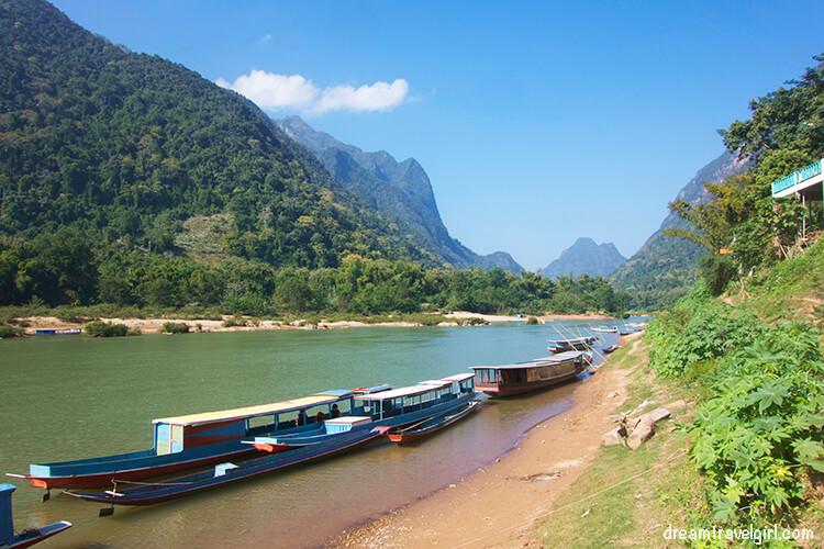 Pueblitos cerca del río Nam Ou, Laos