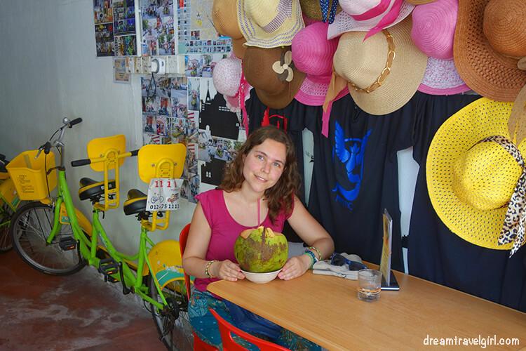 En la tienda con el coco