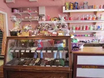 debora's chocolate shop erin ontario inside