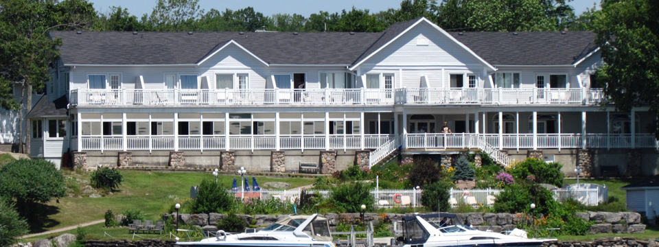 Hotel Review: Viamede Resort Shines Even By Candlelight